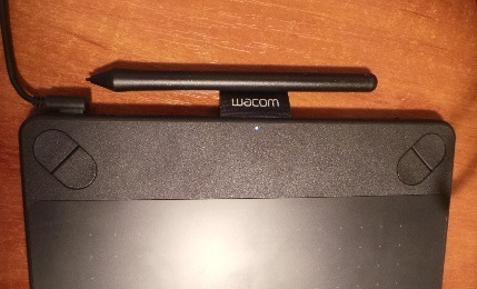 wacom intuos pen and touch comic